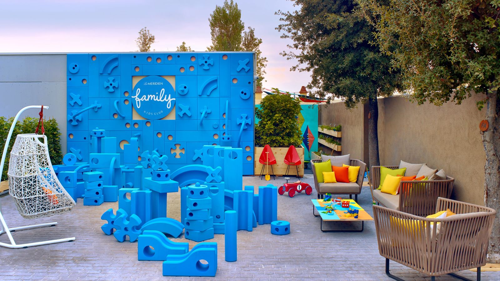 Hotel with kids club close to Barcelona