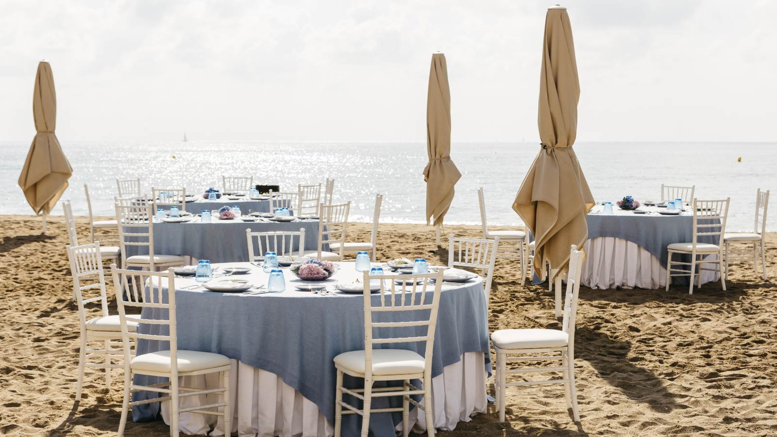 Beach wedding celebrations at Le Méridien Ra El Vendrell