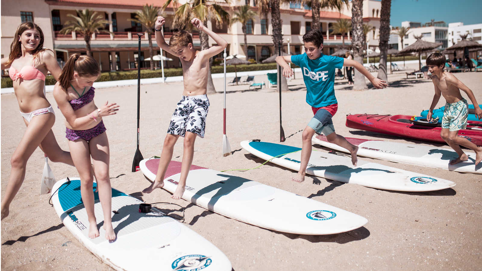 Crazy games on the water for children at Beach Club Le Méridien Ra