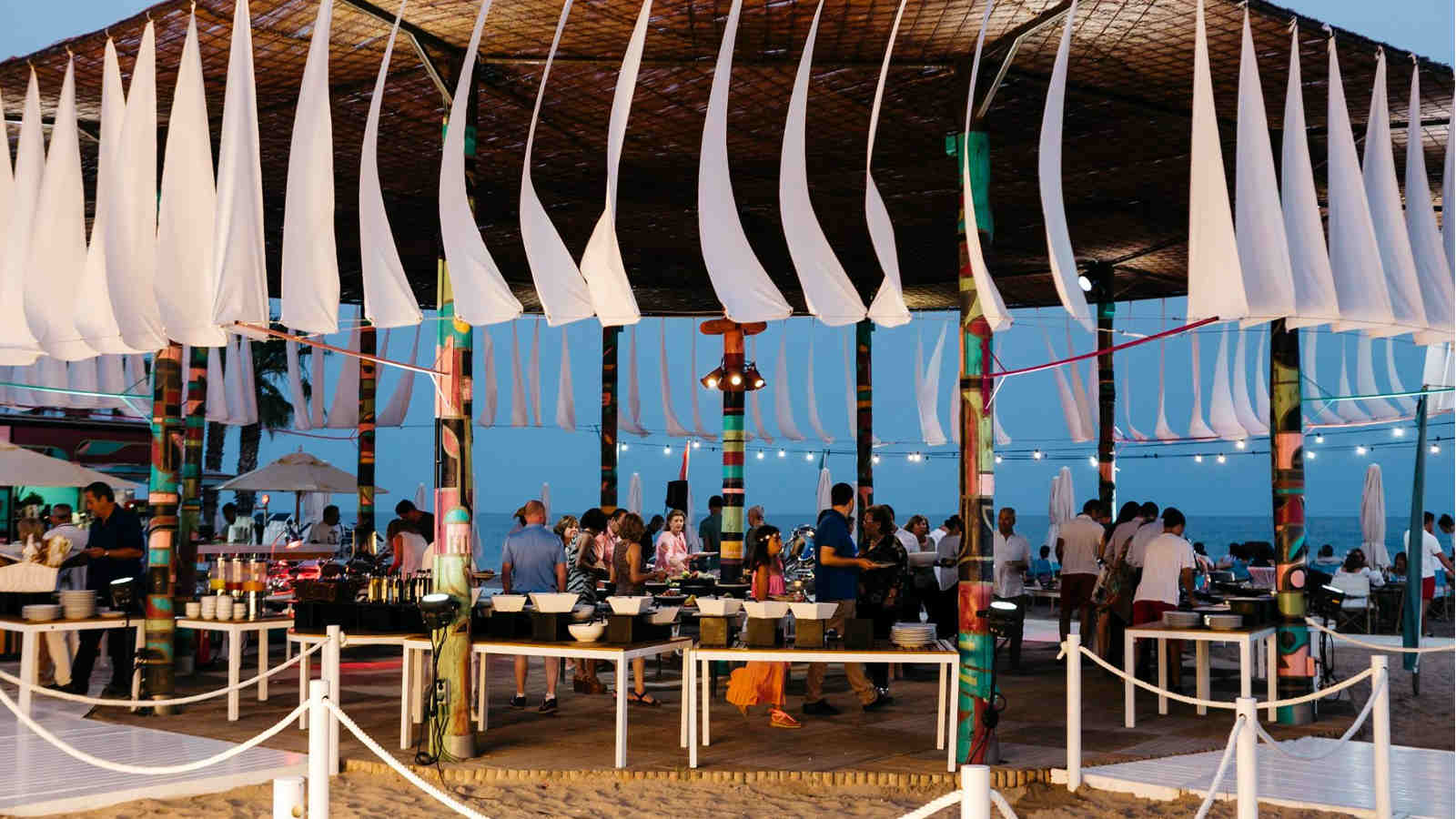 Summer Events at a Beach Restaurant close to Barcelona, Le Méridien Ra
